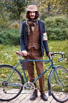 Tweed Ride Moscow - 2012 Source: furfurmag.ru & the-village.ru