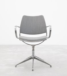 auto-return swivel Gas chair from Stua