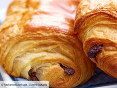 Sausage rolls with Feta Cheese Croissants, Sausage Rolls, Sweet Bread, Bread Recipes, Sweet Tooth, Food And Drink, Treats, Cheese, Homemade