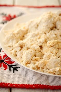 COOKING WITH ANISOARA: CORNULETE FRAGEDE - dulcele traditional al Craciunului Easy Desserts, Mashed Potatoes, Traditional, Cooking, Ethnic Recipes, Food, Meal, Kochen, Essen