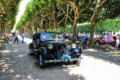 #Citroën #Traction à la Traversée de #Paris en #Voitures #Anciennes #TdP2015 Article original : http://newsdanciennes.com/2015/08/03/grand-format-news-danciennes-a-la-traversee-de-paris-2/ #Cars #Vintage