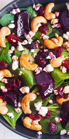 You Have Meals Poisoning More Normally Than You're Thinking That Beet Salad With Spinach, Cashews, Cranberries And Goat Cheese With Honey, Lemon And Olive Oil Dressing. Clean Eating, Healthy Eating, Healthy Food, Vegetarian Recipes, Cooking Recipes, Healthy Recipes, Ramen Recipes, Pasta Recipes, Delicious Recipes