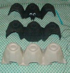 Easy Halloween craft- Egg Carton Bats