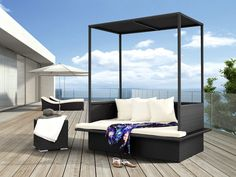 Cool Outdoor Daybeds With Canopy Designs