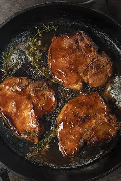 Dad Guide — Cooking with Whiskey: http://www.omahasteaks.com/dads/cooking-with-whiskey?SRC=RZ0637&utm_content=buffere7ac7&utm_medium=social&utm_source=pinterest.com&utm_campaign=buffer  Beer-basted BBQ? Been there. Drenched a dish in wine? Done that. Okay then, when was the last time you've whisked whiskey? ... Yep, that's what we thought.