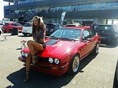 Alfa Romeo cars and ... girls. Más