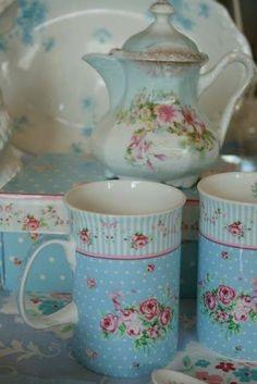 pretty tea mugs