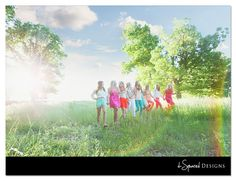 senior girl photography posing ideas #photography {best friend senior session idea}