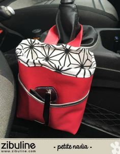 DIY Vide poche voiture – Petite Nadia - Most Comfortable Luxury Cars of 2020 Diy Vide Poche, Car Trash, Trash Bag, Handheld Vacuum, Sewing Patterns For Kids, Couture Sewing, Sewing Accessories, Bag Organization, Sewing Clothes