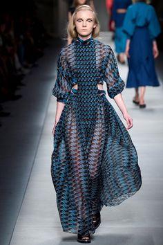 #print #graphic #geometrie #modernità Sfilata Fendi Milano - Collezioni Primavera Estate 2016 - Vogue
