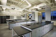A peek inside one of the lab classrooms in the Science Wing A Building at California State University, Los Angeles Science Biology, Science Labs, Sustainable Schools, Dental Laboratory, Chemistry Labs, Biochemistry, Science Classroom, Working Area, School Design