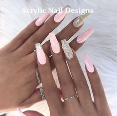 Schauen Sie sich unsere Sarg-Acrylnagel-Ideen in verschiedenen Farben an. Trendy Coffi – Nägel Farben, You can collect images you discovered organize them, add your own ideas to your collections and share with other people. Coffin Nails Long, Long Nails, Pink Coffin, Nails Short, Prom Nails, Wedding Nails, Pink Nail Designs, Nails Design, Design Design