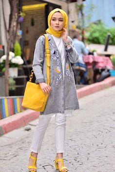 Hijab styles 385831893071109570 - Butikkolikkk İşlemeli Kot Ceket Source by yesiltopuklar Hijab Fashion 2016, Iranian Women Fashion, Modern Hijab Fashion, Muslim Fashion, Fashion Outfits, Fashion Fashion, Fashion Women, Hijab Elegante, Hijab Chic