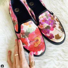 A @modajustcoco le encantan sus nuevas sneakers slip-on #GioseppoByJuanVidal