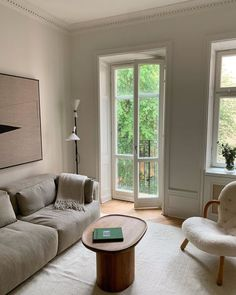 Saturday morning, had a nice nine hours of sleep, letting fresh air in through o. - Home - Door Design Quirky Home Decor, Cheap Home Decor, House Rooms, Interiores Design, Home Decor Accessories, Home And Living, Modern Living, Room Inspiration, Interior Architecture