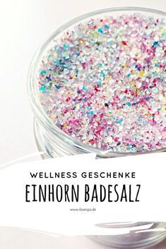 The perfect wellness gift - DIY unicorn bath salts - DIY wellness gifts gifts unicorn Full Moon Unicorn Bath Salt - Magical DIY unicorn bath salts - I LOVE SPA <-> Mascarilla Diy, Diy Unicorn, Magical Unicorn, House Of Beauty, Presents For Her, Holiday Break, Mom Day, Bath Salts, You Are The Father