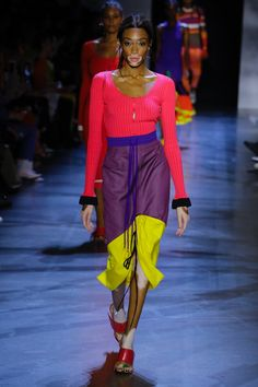Haute Couture Trends, Women's Couture Fashion, Couture Mode, Runway Fashion, Womens Fashion, Colourful Outfits, Colorful Fashion, Fabulous Dresses, Sexy Dresses