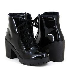7065b00483 Bota Coturno Tratorado Magi Shoes Salto Grosso Verniz Preto