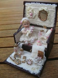 Helena's Miniatures: Een Trousseau Part 2