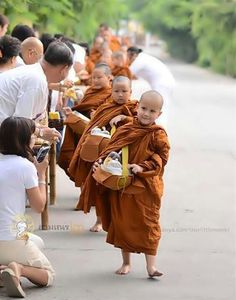 Buddhism in Thailand Buddha Doodle, Theravada Buddhism, Naughty Kids, Buddhist Monk, Buddhist Temple, Cute Kids, Martial Arts, Cool Photos, History