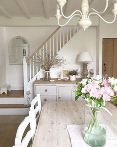 Cottage Hallway, Country Cottage Living Room, Cottage Dining Rooms, Country House Interior, Cottage Style, Living Rooms, Small Cottage Kitchen, House Rooms, Farmhouse Style