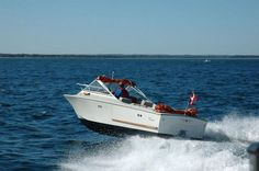 The legendary Coronet 21 DC. Classic Yachts, Classic Boat, Small Motor Boat, Boat Stuff, Tear Down, Power Boats, Old School, Sailing, History