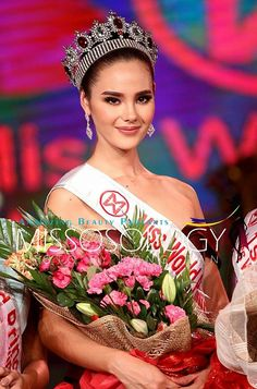 Catriona Gray Miss World Philippines 2016 Winner Catriona Elisa Magnayon Gray Miss Universe Philippines, Miss Philippines, Most Beautiful Faces, Beautiful Inside And Out, Beautiful Women, Grey Fashion, Fashion Beauty, Steampunk Fashion, Gothic Fashion
