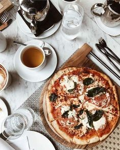 food pizza, food pictures и aesthetic food I Love Food, Good Food, Yummy Food, Breakfast Desayunos, This Is Your Life, Le Diner, Food Goals, Aesthetic Food, Food Pictures