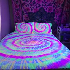 Tie Dye Black Light Reactive Sheet Set - Cotton - 1 Fitted Sheet - 1 Flat Sheet - 2 Pillow Cases - Michigan Made Tie-Dyed Shower Curtain Cute Tie Dye Wallpaper Hippie Bedroom Decor, Neon Bedroom, Room Ideas Bedroom, Tie Dye Bedroom, Hippie Bedrooms, Boho Decor, Hippie Bedding, Bedroom Signs, My New Room