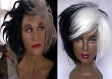 DELUXE CRUELLA DEVILLE VOLUMINOUS WHITE & BLACK MID LENGTH BOB COSTUME WIG