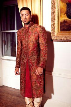 Love this groom's suit. #desigroom #desiwedding #southasianwedding