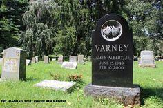 #GravelyFamous- The grave marker of Jim Varney (Ernest) at the Lexington Cemetery in Lexington, Kentucky (Fayette Co.) (TNT Images (c) 2017, Photo: Ken Naegele) #necrotourist,#necrotourism,#KentuckyCemeteries,#Kentucky,#Lexington,#LexingtonCemetery