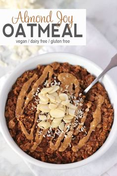 This Almond Joy Oatmeal is healthy take on Almond Joy candy. Oatmeal with almond milk and coconut flakes make a delicious breakfast. Vegetarian Breakfast, Breakfast For Kids, Healthy Breakfast Recipes, Vegan Recipes Easy, Whole Food Recipes, Vegan Recepies, Healthy Breakfasts, Breakfast Ideas, Vegetarian Recipes
