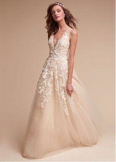 comprar Suntuosas de tul y satén con cuello en V A-Line vestidos de boda con las flores 3D de descuento en Dressilyme.com