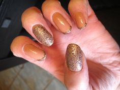 How's that for a sparkly DIY mani :)