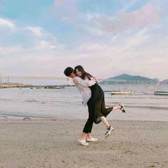 Find images and videos about love, couple and korean on We Heart It - the app to get lost in what you love. Cute Couples Goals, Couples In Love, Couple Goals, Relationship Goals Pictures, Cute Relationships, Parejas Goals Tumblr, Beach Poses, Couple Aesthetic, Couple Beach