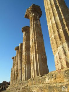 Vallei dei Temple Agrigento A Unesco world heritage site Historical Sites, Sicily, Cool Places To Visit, Trekking, Heritage Site, Europe, World, Travel, Blog