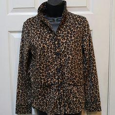Vera Wang Leopard Pattern Pajama Top (NWT) Leopard pattern pajama top. Size XS. 100% polyester. Super soft. Just a top. No bottoms. Vera Wang Intimates & Sleepwear Pajamas