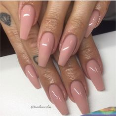 Semi-permanent varnish, false nails, patches: which manicure to choose? - My Nails Clear Acrylic Nails, Acrylic Nail Shapes, Almond Acrylic Nails, Almond Nails, Aycrlic Nails, Nude Nails, Pink Nails, Soft Nails, Glamour Nails