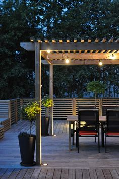 Examples of Backyard Pergolas That Cure Analysis-Paralysis Check out these 15 perfect pergola ideas.Check out these 15 perfect pergola ideas. Diy Pergola, Veranda Pergola, Building A Pergola, Pergola Canopy, Deck With Pergola, Wooden Pergola, Outdoor Pergola, Pergola Kits, Outdoor Spaces