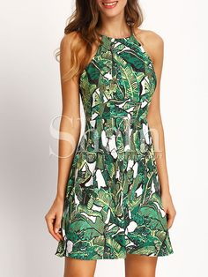 SHEIN offers Green Halter Floral Print Backless Dress & more to fit your fashionable needs. Women's Fashion Dresses, Casual Dresses, Short Sleeve Dresses, Summer Dresses, Beach Dresses, Sun Dresses, Floral Dresses, Cheap Dresses, Green Dress