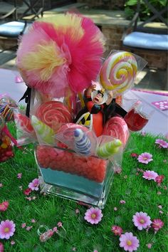 alice in wonderland birthday party by frostedevents, via Flickr
