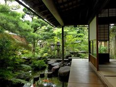 Love to have a place like this// Unique and antique traditional Japanese design house-backyard Liebe Japanese Home Design, Traditional Japanese House, Japanese Interior, Traditional Design, Japanese Style, Japanese Homes, Japanese Dojo, Japanese Tea House, Japanese Water