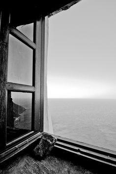 dempow:    window  By Φίλιππος( Phill)