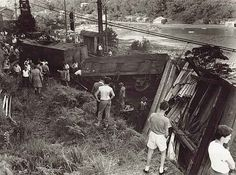 Derailment at Oatley Bank. Dated: January 1960.  Digital ID: 17420_a014_a014000967 Rights: www.records.nsw.gov.au/about-us/rights-and-permissions The St, Wonderful Places, Old Photos, Container Gardening, Things To Think About, Past, Trains, Sydney, January