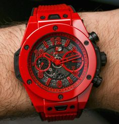 Watches For Men Luxury Hublot Red Stylish Watches, Luxury Watches For Men, Cool Watches, Unique Watches, Casual Watches, Wrist Watches, Men's Accessories, Hublot Watches, Men's Watches