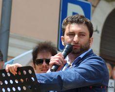 Il candidato Sindaco Luigi Bove pubblica un video autobiografico e si presenta ai cittadini a cura di Redazione - http://www.vivicasagiove.it/notizie/candidato-sindaco-luigi-bove-pubblica-un-video-autobiografico-si-presenta-ai-cittadini/