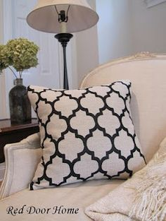 """How to Sew a Pillow Cover with an Invisible Zipper--this worked great. Love my """"new"""" pillow!  Really like the look better than the fold over one I did awhile ago, and it's just as easy to do."""