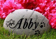 Lovely cat memorial pet rock for your garden. Visit us: jbnewall.com