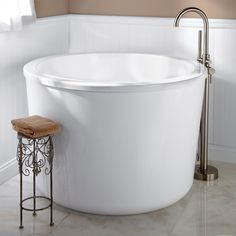 "47"" Caruso Round Japanese Soaking Tub"